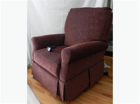 used power lift recliners power lift recliner chair cbell river courtenay comox