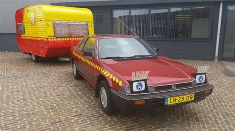 huis kopen van ouders te koop de auto en de caravan clownsduo bassie en adriaan