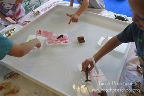 for preschoolers to make simple boats that float teach preschool