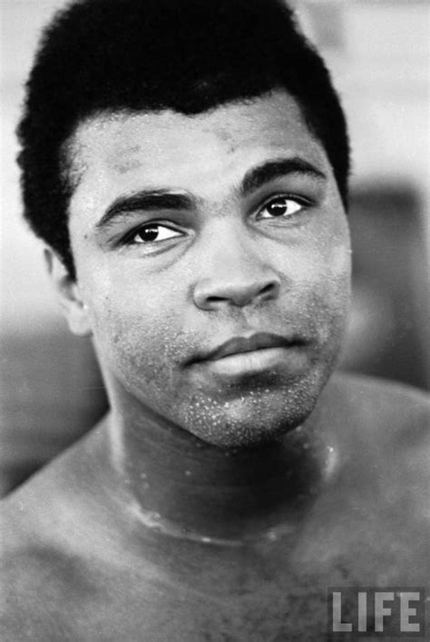 muhammad ali biography wikipedia childhood pictures boxer muhammad ali mini biography and