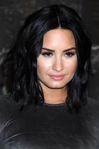 demi hair color for americans demi lovato s hairstyles hair colors steal her style