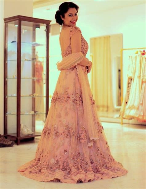 beautiful blush pink gown for indian engagement #dollyj #