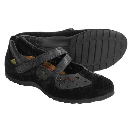 great walking shoe for travel review of ecco jump
