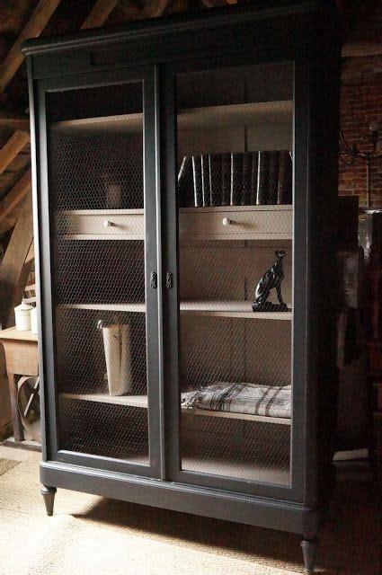 armoire bibliotheque noire cage  poule style cabinet de