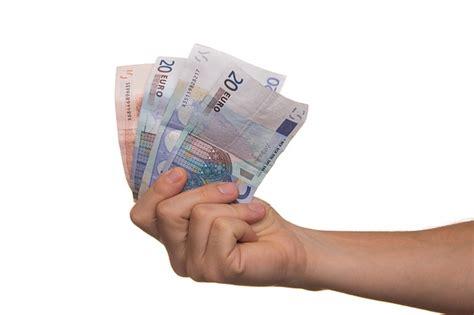 ritiro contanti in banca back come ritirare soldi al supermercato italiani