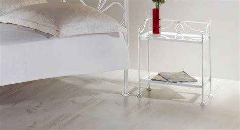 Nachttisch Silber by Nachttisch Wei 223 Silber Beistelltisch