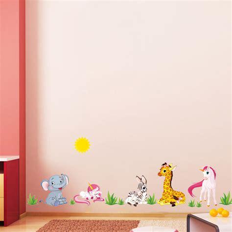 wallpaper untuk anak tomboy ruang kelas tk lebih atraktif dengan warna cerah toko