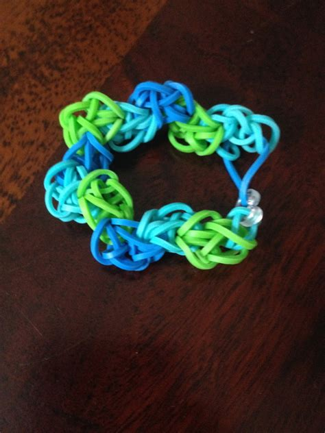 Blue, Turquoise, And Green Zig Zag
