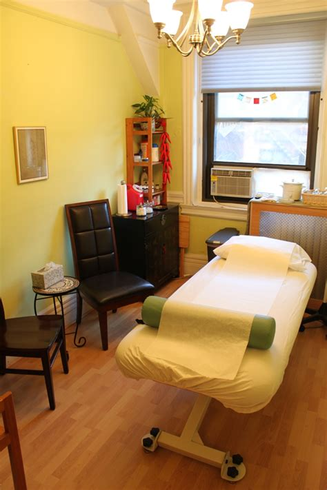 living room acupuncture diagenesis best l for therapy room