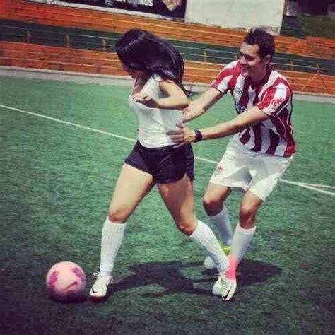 imagenes tumblr de novios jugando futbol cute sporty relationship image 1634974 by lovely jessy
