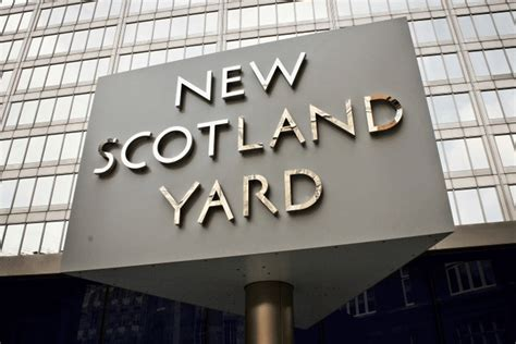 revealed scotland yard plans  move hundreds  met
