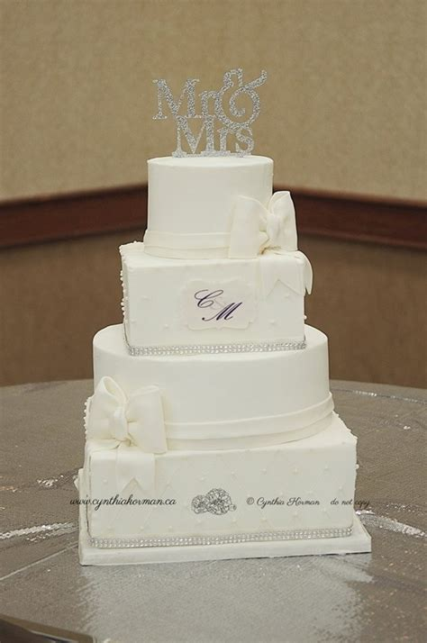 Square Wedding Cake by Alternating Square And Wedding Cake Cakecentral