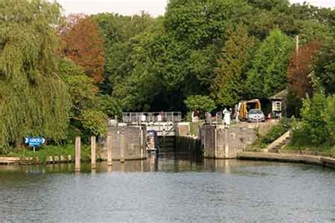french brothers boat trips windsor french brothers boat trips windsor 2 hour round trip