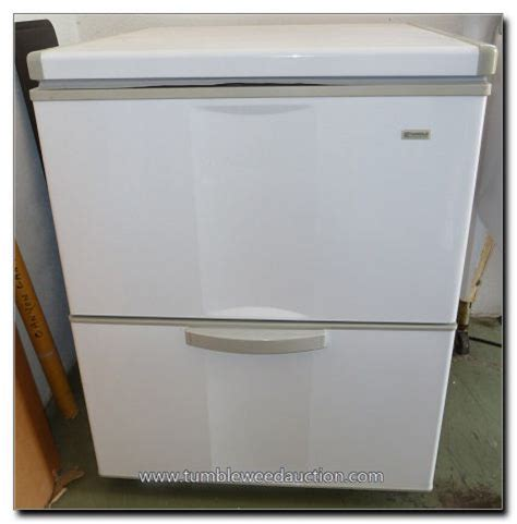 lot 401 kenmore chest freezer w drawer