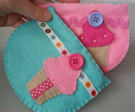 pattern for felt purse felt cupcake purse free pattern busymitts