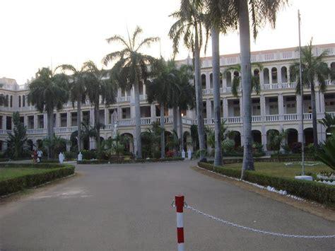 Loyola Chennai Part Time Mba by Loyola College Chennai Junglekey In Image