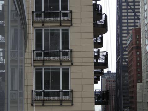 5 ways to prevent balcony railing vibrations rattling