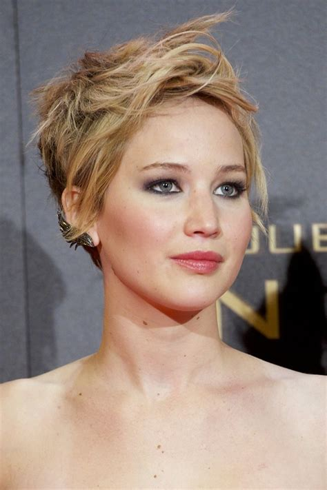 2014 short hairstyles for round faces jennifer lawrence short hair jennifer lawrence short hair style 2014 colors styloss com