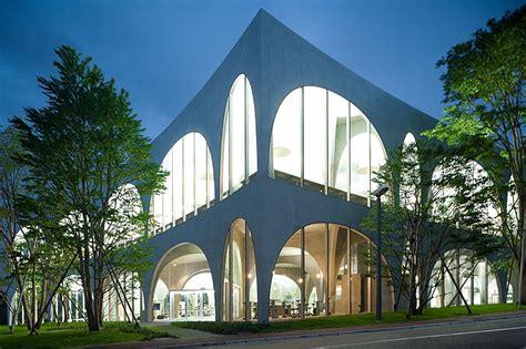 art design university japan tama art university new library project arch into japan