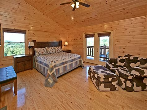 11 bedroom cabins in gatlinburg pigeon forge cabin splash mansion 11 bedroom sleeps