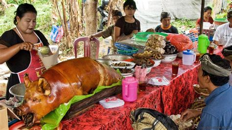 Krupuk Babi Bali Cap Babi Lima selain tempat wisatanya inilah 5 makanan khas bali yang menjadi primadona turis asing