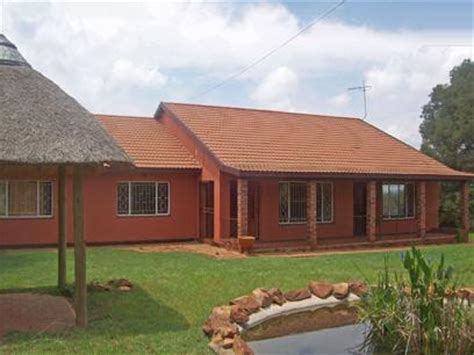 buying repossessed houses standard bank repossessed 5 bedroom house for sale for