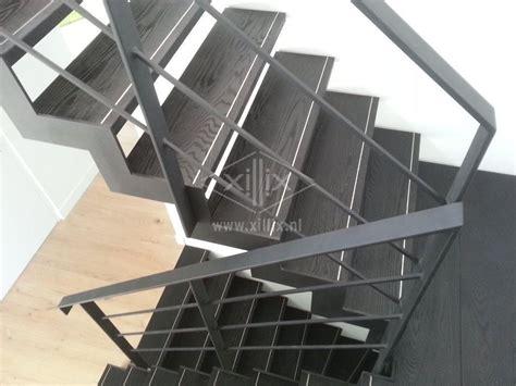 spiltrap zwart muizentand trap van structuur zwart mat gepoedercaot staal