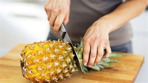 len essen ananas schneiden eine ananas schneiden lecker ananas
