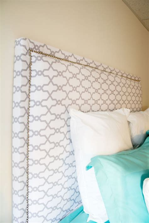 Headboard Fabric Diy by Best 25 Diy Fabric Headboard Ideas On Padded