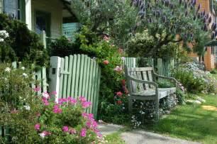 Englische Grten Gestalten Cottage Garten Gestaltungsideen Im Englischen Stil