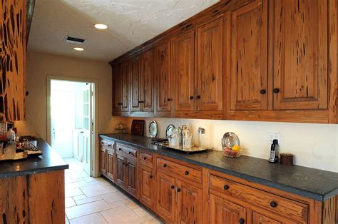 Cypress Kitchen Cabinets On The Market Owners Added Personal Touches To Expanded Www Palmbeachdailynews