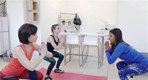 allenarsi a casa allenarsi in casa gli esercizi per glutei