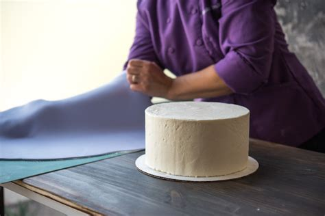 bench scraper for cakes how to repair fondant 5 tips for fixing and preventing