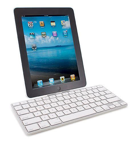 Minimalist Computer Speakers apple ipad keyboard dock