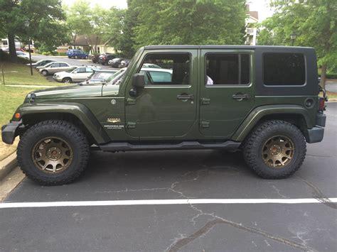 bronze wheels jeep 33s on a stock jk jkowners com jeep wrangler jk forum