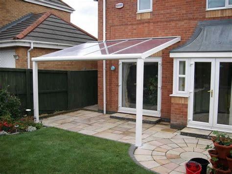 plexiglass per tettoie tettoia in plexiglass arredamento giardino