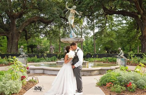 elopement wedding packages in new elope to new orleans audubon park new orleans