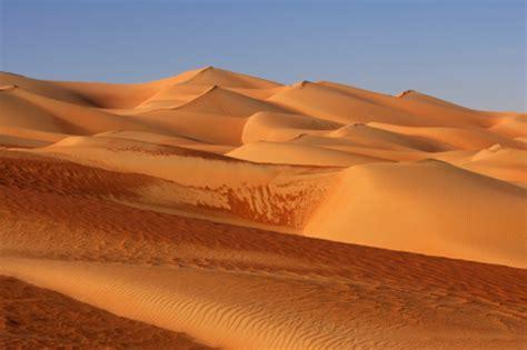 Verschiedene Rottöne by Oman Tour Avventura E Consigli Alla Scoperta Deserto