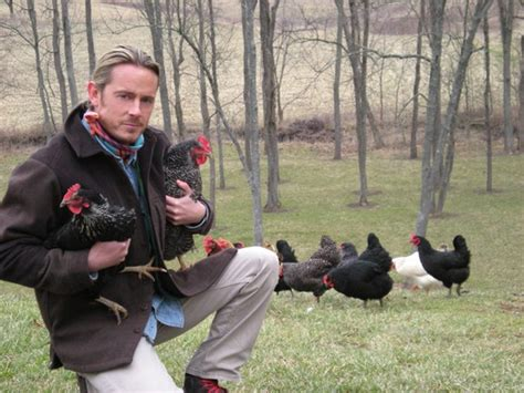 How To Raise Backyard Chickens How To Raise Chickens In Your Backyard