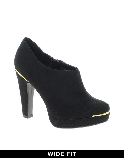 new look shoes new look wide fit new look wide fit tip shoe boots at asos