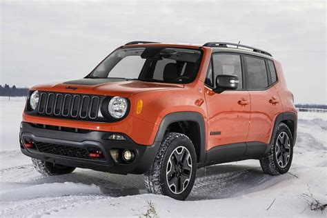 Difference Between Car And Jeep 2015 Jeep Vs 2015 Jeep Renegade What S The