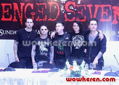 Sepatu Gats Ori foto zacky vengeance di konser avenged sevenfold tour