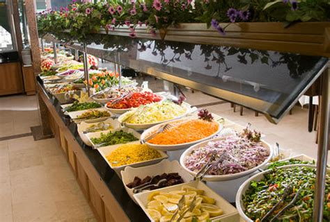 food service jobs what it s like to work at a buffet