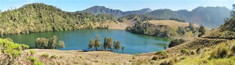 Rakyat Jawa Timur Jawa Gunung Bromo menggapai puncak semeru atap pulau jawa indonesiakaya