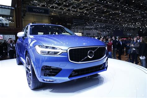 volvo   automaker  offer electric  hybrid