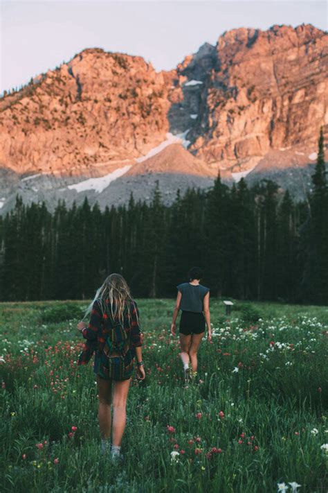 girl mountain tumblr adventure flowers hipster love indie nature photography