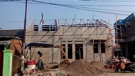 Rangka Baja Ringan Atap Genteng Metal di Warung Kobak