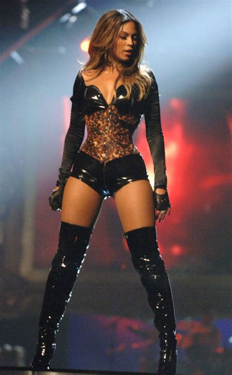 Two New From Beyonce by Beyonc 233 Is Performing At The Mtv Vmas All The Details