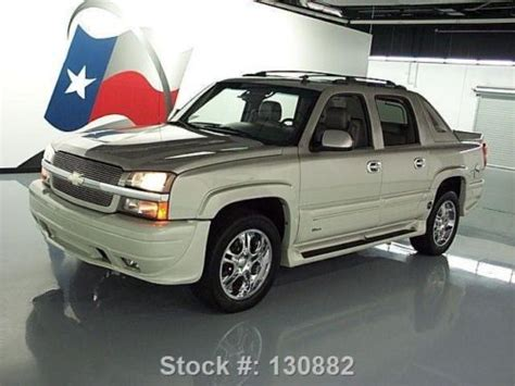 sell used 2006 chevy avalanche southern comfort sunroof 20
