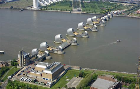 thames barrier upgrade storm eleanor path live update cyclone hits uk overnight